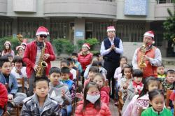 轉貼-中華日記者黃文記/關廟報導2017-12-25深坑國小音樂會歡度耶誕