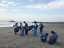 『一個心念、一份力量』地球美麗從我開始 ---瀛海中學『淨灘環保』愛地球活動