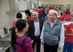 教育局長化身聖誕老公公,永仁特教班歡喜過耶誕
