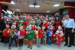 吉貝耍國小--親師生同樂 結合英語 藝術和感恩的聖誕節系列活動