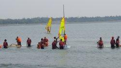 追風踏浪迎風帆 漁光學童快樂擁抱大海