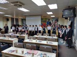 日本群馬縣利根郡水上町師生蒞臨本校來訪  帶動聖誕節熱鬧氣氛