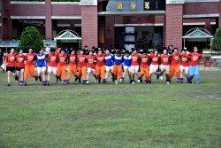 南市最大規模「N人N加1腳競速比賽」 逾千瀛海學生「同腳」比拼