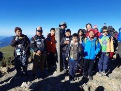 高峰課程五校戶外教育聯盟--六年級高峰畢業旅行  最終站--百岳合歡東峰登頂
