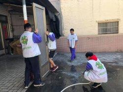 柳營國中學生為獨居長輩打掃家園&貼春聯&量血壓活動